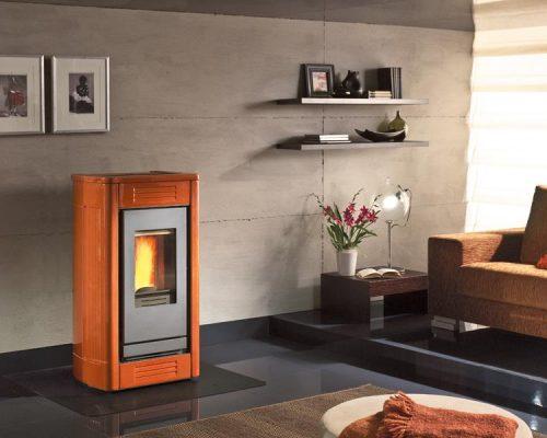 oranje pelletkachel, Piazzetta P 957 energiezuinig stoken op houtpellets met deze stille pelletkachel
